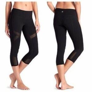 Athleta Crux Capri Leggings Mesh Black